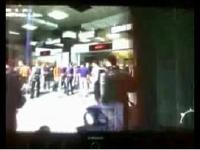 【MW2】Call of Duty: Modern Warfare 2 空港で無抵抗な一般市民を無差別殺戮する動画