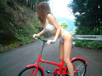JKの絶頂アクメサイクリング♪自転車に乗りながら潮吹き!!