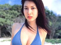 四つん這いでおっぱい揉まれる小林恵美と相澤仁美