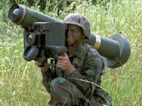 対戦車ミサイルの実弾訓練、直ぐそばに落ちて大パニック