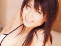 B110のKカップ!!やっぱり脱いじゃった☆岡田真由香の超絶おっぱい♪