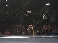 東京で行われたレッドブル発のブレイクダンスバトル映像 「BC one」