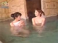 ローカルアナ温泉レポで乳首が見えちゃってる件