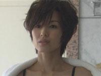 吉瀬美智子 妖艶濡場でエロい太ももがあらわに!