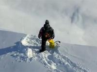 雪山で撮影された超クールな映像!カッコよすぎ!