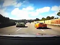 これは自業自得。高速道路をサーキット化していたガヤルドたちが事故る瞬間