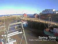 潮の満ち干が良く分かる動画。潮の干満が世界一激しいカナダのファンディ湾