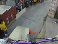 チリの坂くだり自転車レースがやばすぎて…