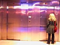 レミさんのエレベーターのイタズラが2012年版で進化してた。両方かよw