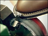 職人動画。ルイ・ヴィトンの革靴が出来上がるまで。これはかっこいいビデオ