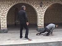 武術動画。凄いのは音だけかもしれない新しい功夫?「Retard-Fu」のビデオ