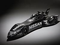 日産がル・マン24時間レース用に作ったバットモービルが強そう。走行動画