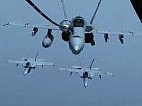 軍用機の空中給油映像。B-1戦略爆撃機、F/A-18戦闘攻撃機
