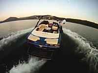 おい失敗したらどうするw無人のボートでウェイクサーフィンしている動画