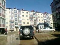 欠陥住宅すぎる・・・。築3年の5階建てマンションが崩壊してしまう衝撃映像。
