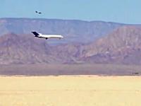 ボーイング727を砂漠に墜落させるテストの映像。ディスカバリーチャンネル用