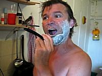 これが男の髭剃りだ☆レザー剃刀(西洋剃刀)を使うとワイルドでカッコイイ