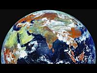 地上40000kmに配置された静止衛星から撮影した地球のタイムラプス映像。