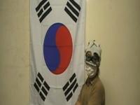自演か?日本語を話す男性が韓国の国旗を燃やす動画がネットにアップされる