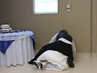 人生一度?の晴れ舞台。結婚式で起きたハプニングの映像集。痛いのあり。
