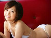田中涼子 スクール水着姿でシャワーを浴びたり、プールで戯れる