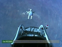 レッドブル・ストラトス成層圏からのダイブに成功。動画&キャプチャ画像まとめ