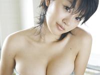 多田あさみ ヒップフリフリダンシング、ボンテージ姿でセクシーポーズ