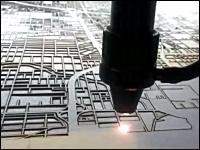 ボードを凄い勢いでレーザーで焼き切って地図を描くマップマシーンが面白い