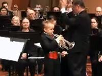現代に甦るアマデウス!8歳のトランペット奏者の神演奏!!