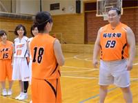 横綱・白鵬が思ってたより俊敏だった!女子大バスケ部で見せた華麗なシュート