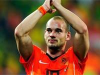 実況も興奮!オランダ代表・スナイデルがオシャレにヒールシュート!
