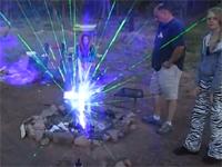 キャンプ客「火を起こすのが面倒なのでレーザー焚いてみた」シュールwww