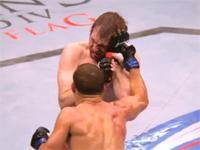 UFCの戦いをスローモーションで見てみる。