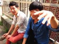 韓国旅行で道を聞こうとしたら突然襲われてカメラを奪われそうになる動画が話題