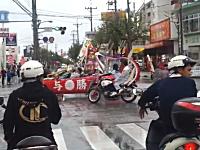 今年も沖縄の成人式はヒャッハー状態。2013年なのにセンスは昭和www