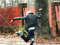 例の神ダンサーの新作がキテタ!ニンゲンってこんな動きができるんだ。