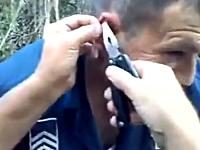 釣り動画。ルアーを投げたら仲間の耳が釣れてしもうたw(゚o゚)w痛いYouTube