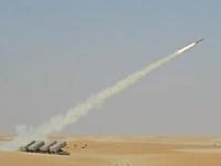 軍事動画。このターゲットにされた街の事を思うとガクブルになるロケット砲連射