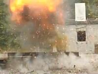 次世代の手榴弾が凄い。最大限に威力を発揮する為に爆発の直前にジャンプする。