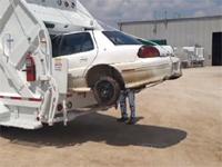 俺の知ってるゴミ収集車じゃない。世界最強の称号に相応しい猛者