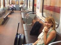 ドアを閉め忘れた地下鉄が両サイドフルオープンのまま走り出してしまう。