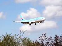 大韓航空ボーイング737の着陸やり直し映像が怖い。ワンバウンドして急上昇。