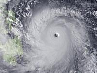 猛烈な台風が直撃したフィリピンの様子・・・。死者は1200人以上か。