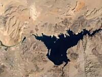 1984年から2012年までの地球上の変化を地球観測衛星が映した衛星写真より。