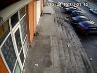 酷すぎて笑った駐車場での失敗映像。どんな勢いでバックしたらそうなるんだよw