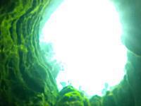 これまでに9名が亡くなっているとされる泉の洞窟に潜ってみた動画。jacob's well
