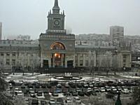 死者16名。ロシアの駅で自爆テロ。その瞬間の映像がアップされる。一部注意。