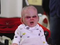 悪魔ドッキリ。ベビーカーに放置された赤ちゃんがホラー映画だったら。NY