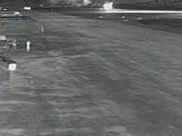着陸をやり直そうとして失敗して墜落?小型ジェット機が墜落する瞬間の5カメラ。