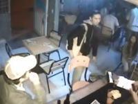 殺し屋のお仕事動画。ビールを注文してタバコを吸っていた男性が殺し屋だった。
